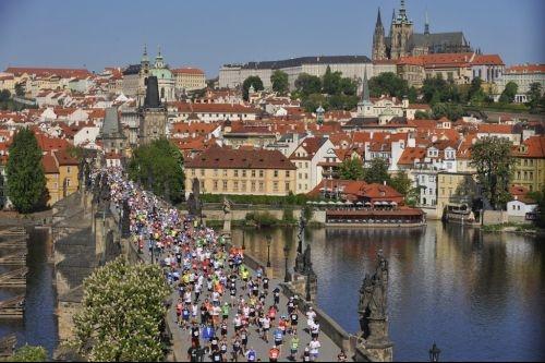 Brevi dal Mondo: Maratona di Praga al keniano Kandie