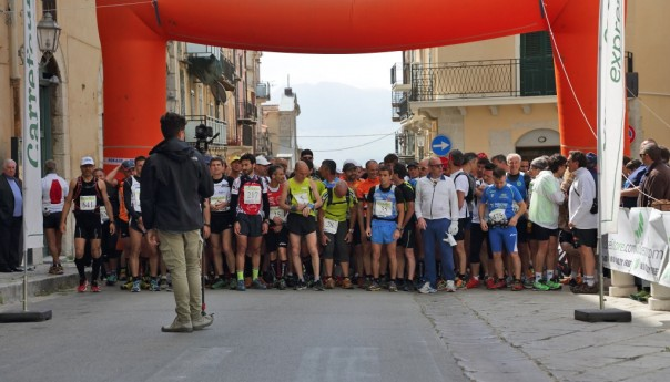 La carovana del trail fa festa nella Pizzuta: il podio si veste di novità