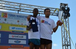La pioggia non rovina lo spettacolo della Turin Marathon
