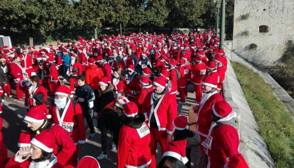 "Verona Christmas Run: di corsa 6000 ""Babbi Natale"""