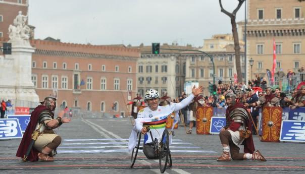 Maratona di Roma 2016: Alex Zanardi...il ritorno