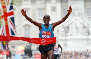 Londra: Kipchoge sfiora il record mondiale