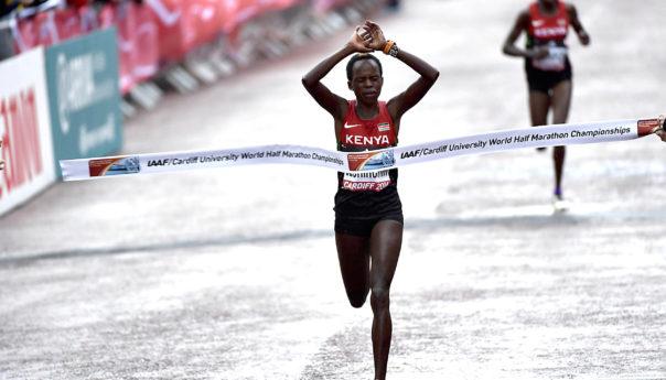 Doppio record mondiale per la keniana Jepchirchir